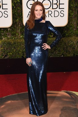 Julianne Moore wears Tom Ford at the Golden Globes 2016